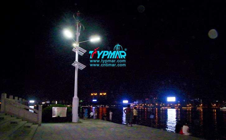 惠州景区江边工程 风力发电机夜景