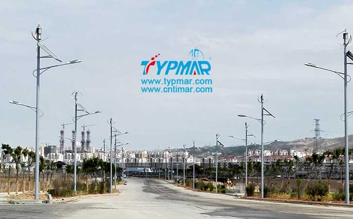 青海海东开发区风光互补路灯 城市照明